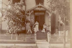 Solomon-Wrightwood Ave house with family