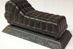 1898-cast iron couch